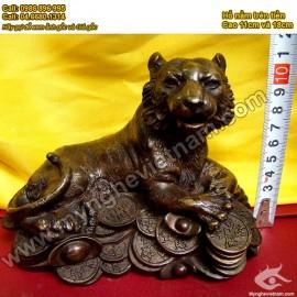 Hổ nằm trên tiền, dành cho người tuổi Dần (tuổi Hổ) vật phẩm phong thủy, đồ phong thủy