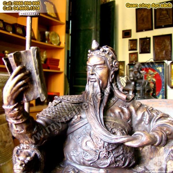 Tượng Quan Công ngồi đọc sách đồng giả cổ cao 35cm0