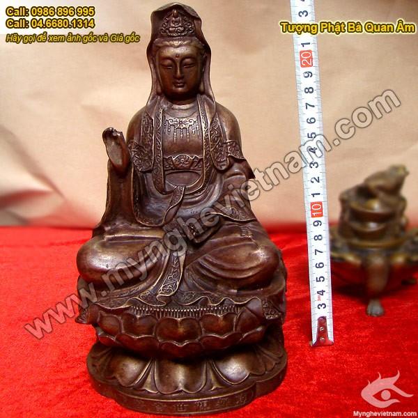 Tượng đồng Phật Bà Quan Âm Bồ Tát, Tượng Phật Bà ngồi thiền, Ngồi trên đài sen