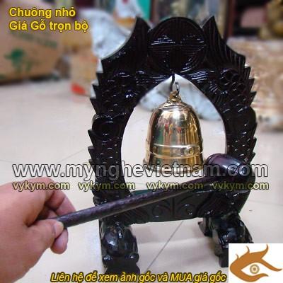 Chuông đồng có giá gỗ, chuông cỡ nhỏ dùng trong đền chùa, nhà thờ, điện thờ0