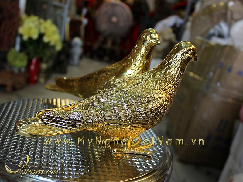 tượng bồ câu đồng mạ vàng