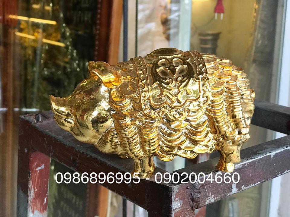Tượng heo đồng mạ vàng mặc áo giáp tiền dài 16cm0