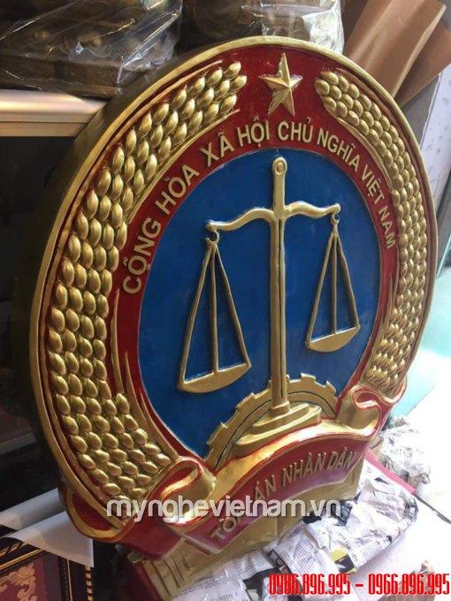huy hiệu tòa án bằng nhựa đúc