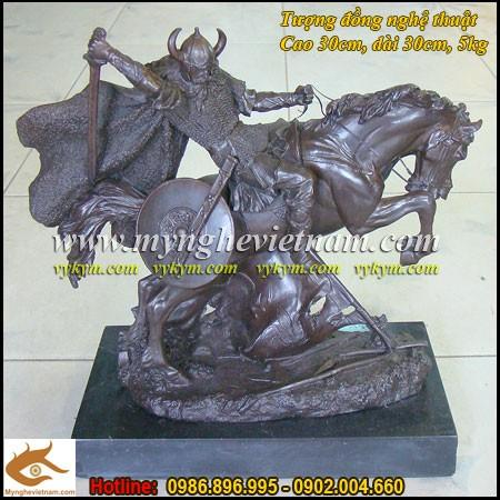 Tượng thần Odin, Tượng cưỡi ngựa chiến,tượng chiến sĩ trung cổ0