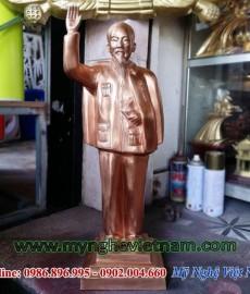 Tượng Bác Hồ vẫy tay chào toàn thân cao 50cm