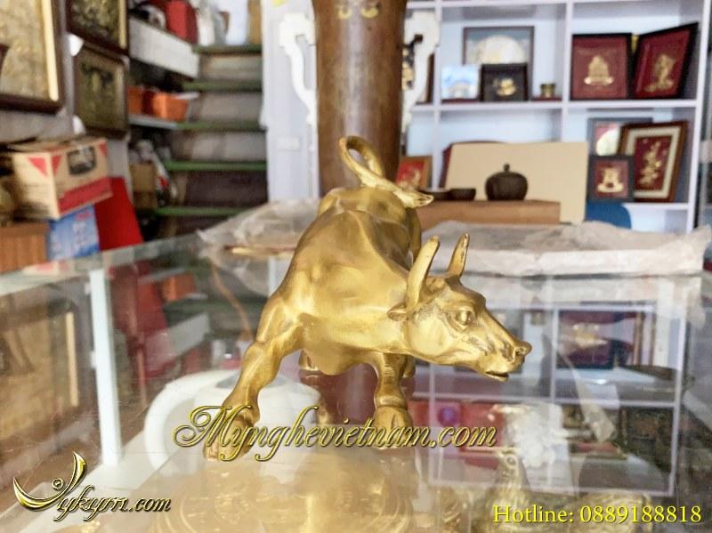 tượng con bò phố wall bằng đồng dài 20cm dài 30cm