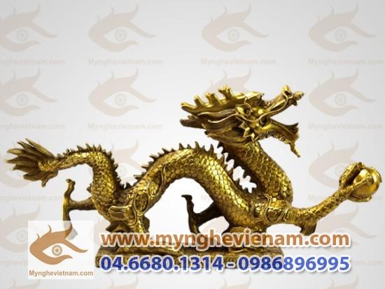 Tượng rồng phong thủy, tượng rồng cầm ngọc bằng đồng