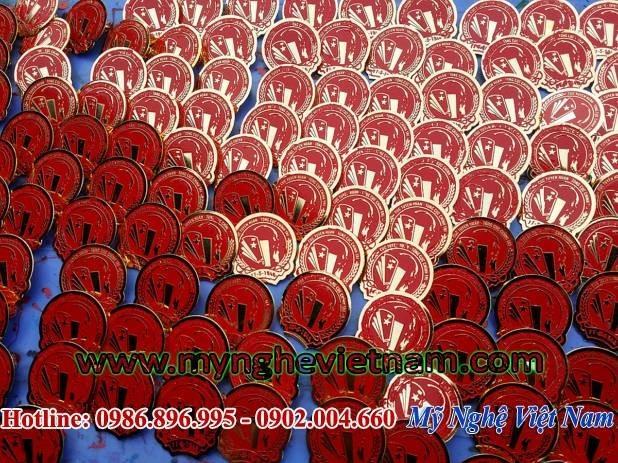 Sản xuất huy hiệu đeo ngực, chế tác logo công ty văn phòng nhà nước