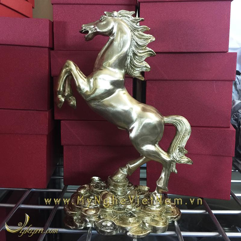 Tượng ngựa phi chân trên tiền cao 20cm0