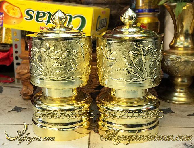 Đài nước thờ cúng chạm hoa sen bằng đồng đk 14cm0