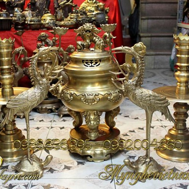 đỉnh đồng thờ cúng, đồ thờ bằng đồng