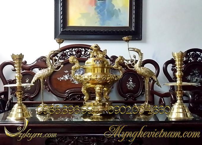 Đỉnh đồng thờ cúng hoa sòi 42cm màu vàng sáng cổ cao0