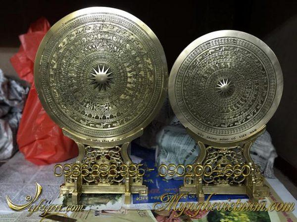 trống đồng biểu trưng làm quà tặng đối ngoại