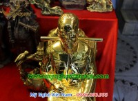tượng bác hồ ngồi đọc báo đúc đồng mạ vàng 2