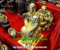 tượng bác hồ ngồi đọc báo đúc đồng mạ vàng 6
