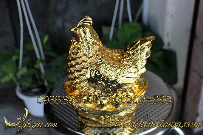 Tượng gà đồng phong thủy đẻ trứng vàng mạ vàng0