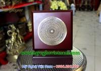 đĩa biểu trưng mặt trống đồng dựng 1