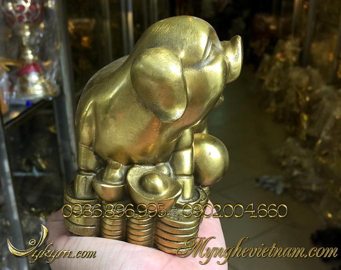 tượng heo đồng phong thủy ngồi tiền 1