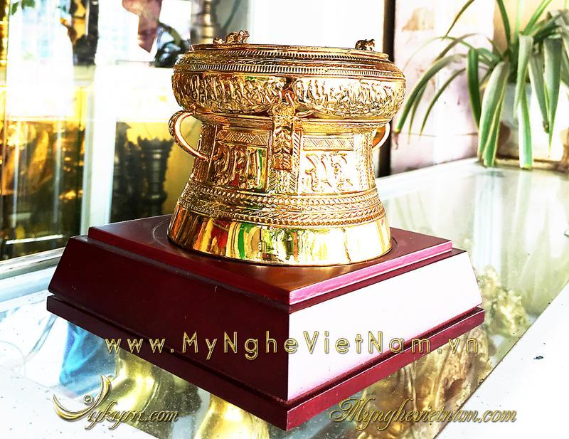 trống đồng mạ vàng đk 12cm, quà tặng lưu niệm trống đồng