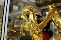 tượng ngựa đồng bay, ngựa có cánh mạ vàng 3