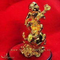 tượng khỉ ngồi quả đào ôm gậy như ý mạ vàng 16cm