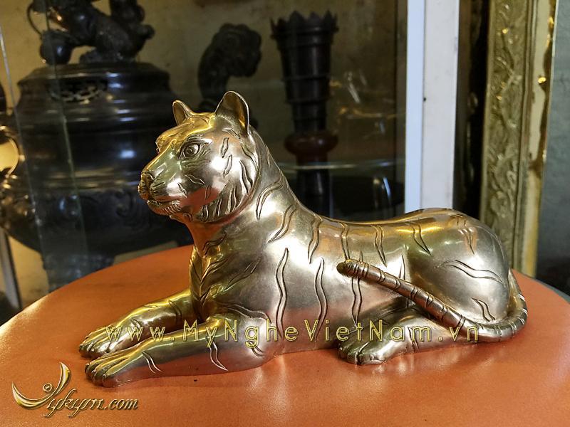 Tượng hổ nằm bằng đồng dài 20cm0