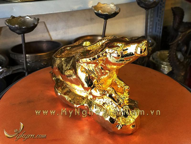 tượng trâu đồng nằm được mạ vàng 2