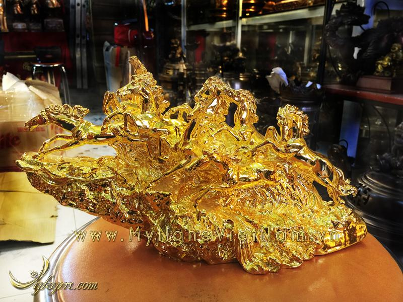 Tượng bát mã bằng đồng mạ vàng, tượng mã đáo thành công0