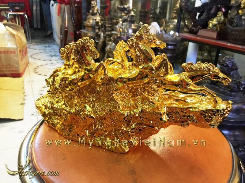 tượng bát mã bằng đồng mạ vàng, tượng mã đáo thành công 1