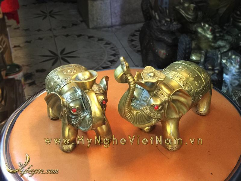 tượng voi đồng ngậm tiền ngậm gậy như ý