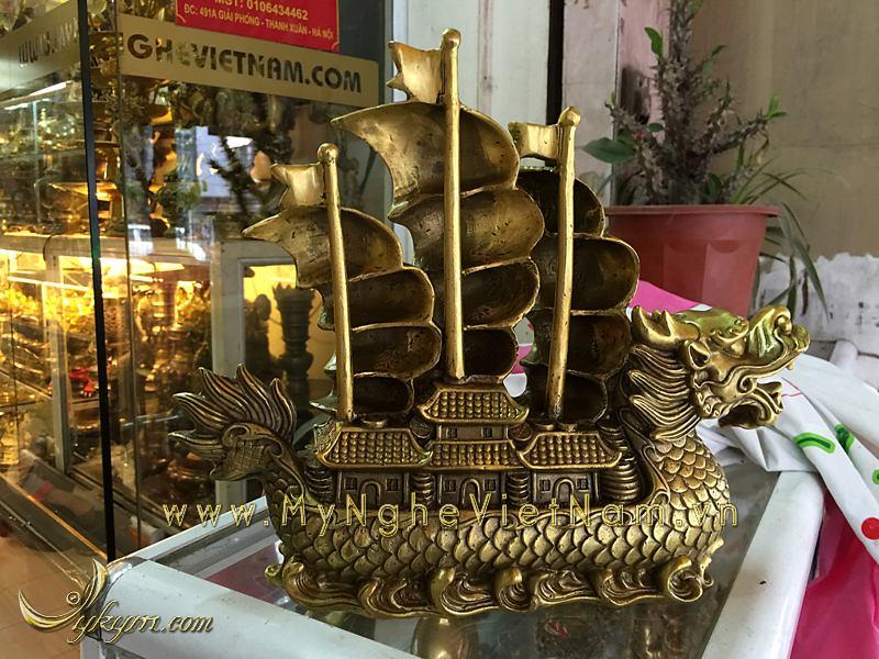 thuyền rồng chở tiền phong thủy bằng đồng