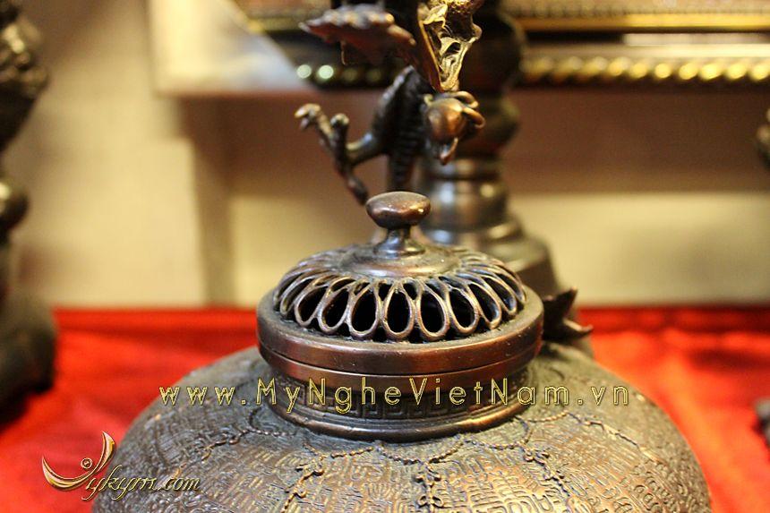 đỉnh đốt trầm vòi quai rồng hoa văn cổ