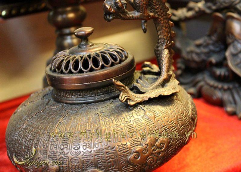 đỉnh đốt trầm quai rồng hoa văn cổ