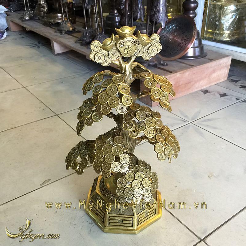 cây tiền phong thủy bày bàn thờ thần tài