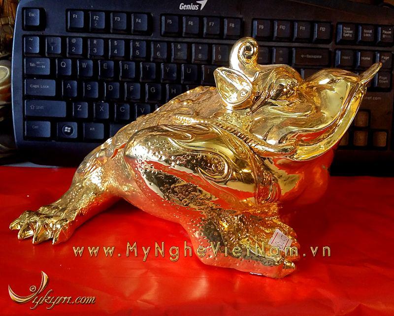 cóc 3 chân đầu có sừng bằng đồng mạ vàng dài 30cm0