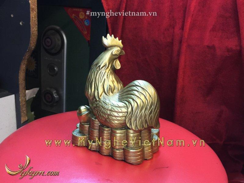 tượng gà đồng chầu ngọc ngồi trên tiền 10cm