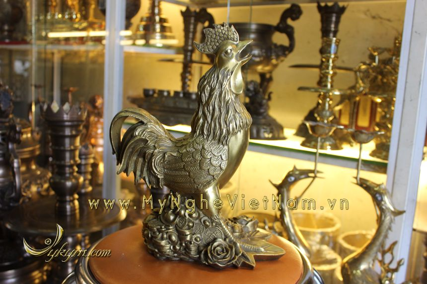 tượng gà đồng 30cm phong thủy cao cấp năm đinh dậu đứng tiền hoa hồng