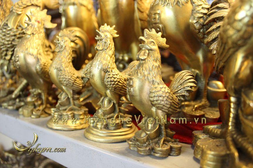 Tượng gà đứng tiền cao 10cm bằng đồng vàng0