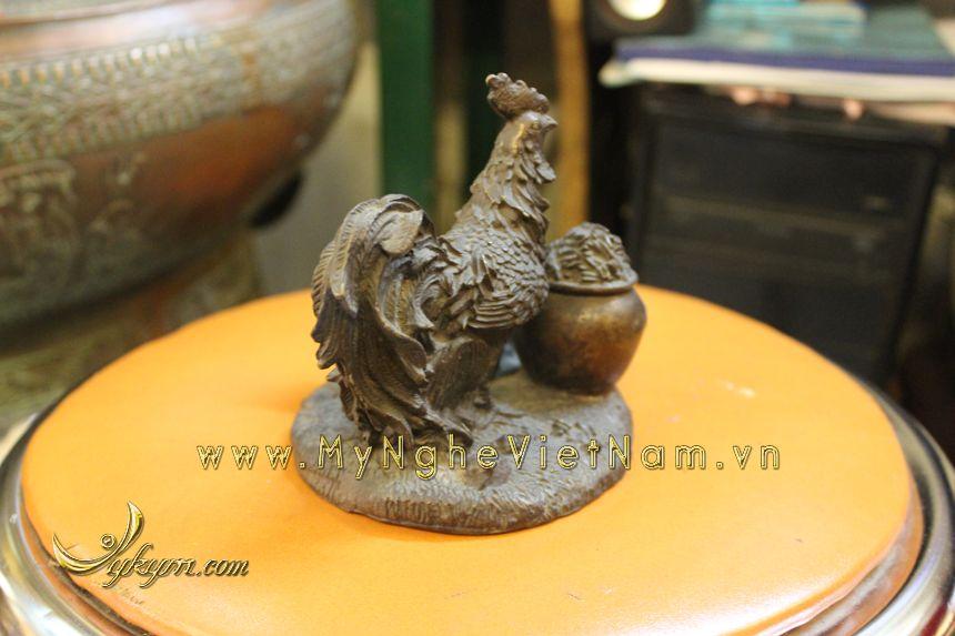 tượng gia đình gà phong thủy bằng đồng chầu hũ tiền tuong-ga-dong-1035