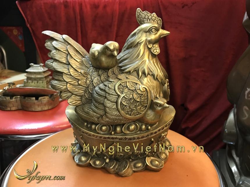 tượng gà mái gia đình ngồi tiền vàng 18cm0