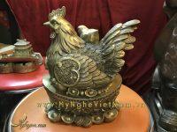 tượng gà mái gia đình ngồi tiền vàng 18cm
