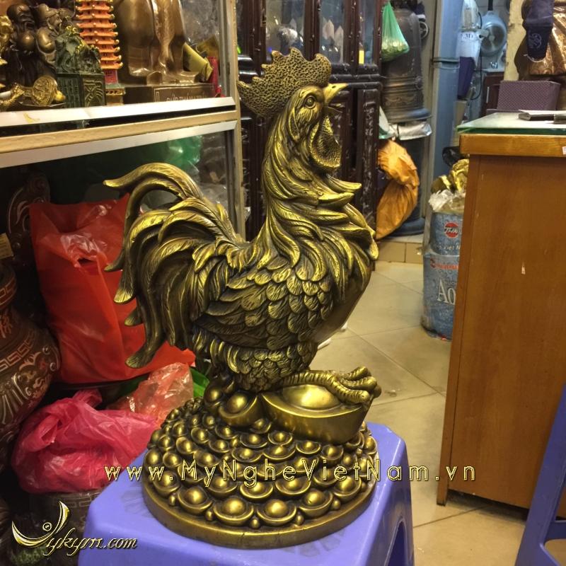 tượng gà trống đứng đống tiền vàng 40cm0