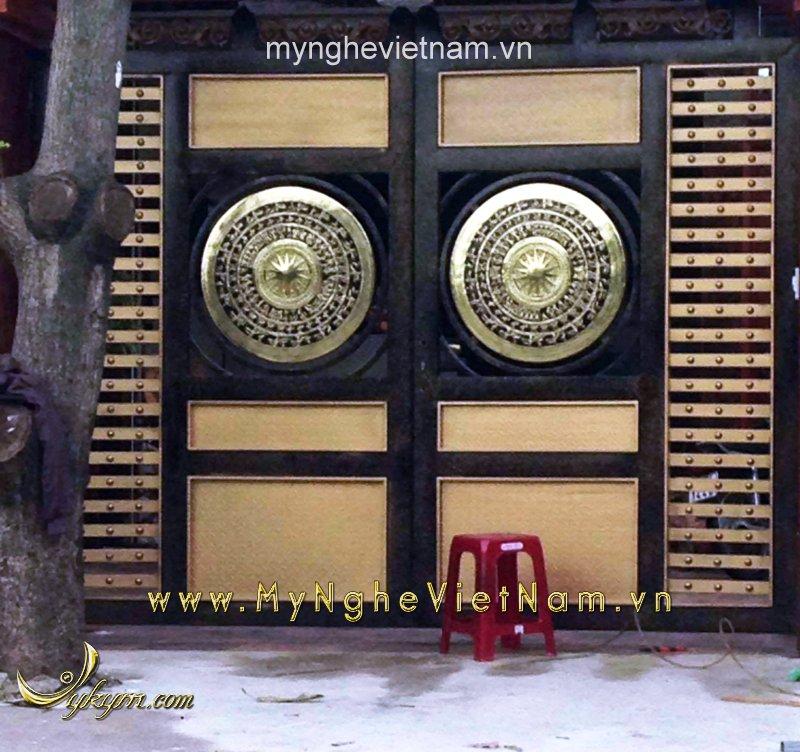 Sản xuất mặt trống đồng gắn cổng đk 80cm0
