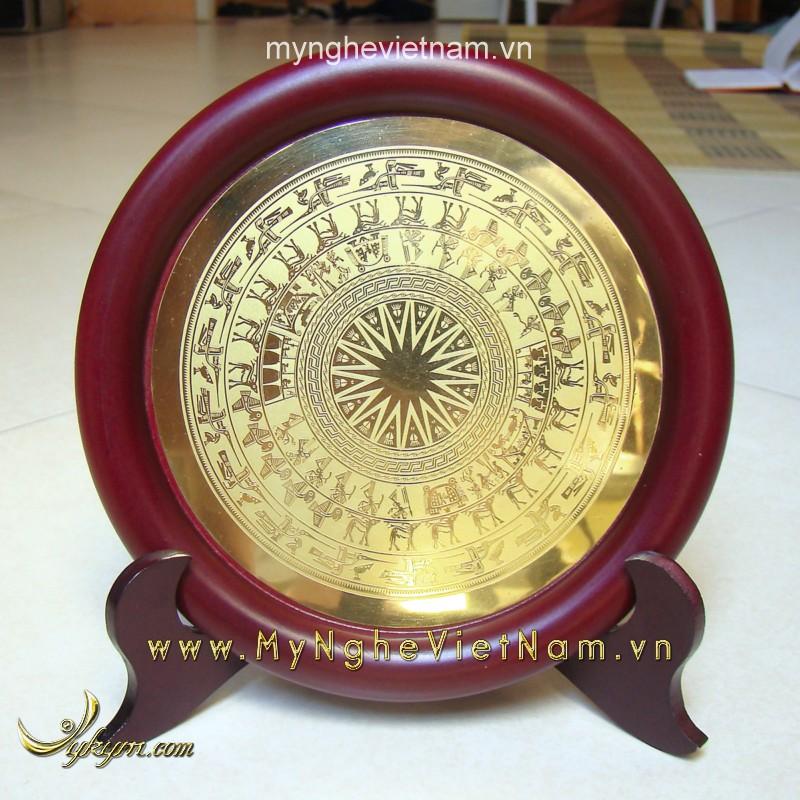 đĩa lưu niệm quà tặng mặt trống đồng ăn mòn 16cm0