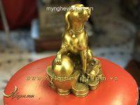 tượng chó đồng ngồi tiền vàng 20cm