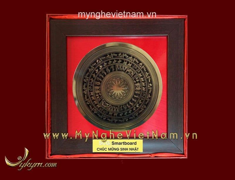 tranh mặt trống đồng làm quà tặng đối tác cao cấp