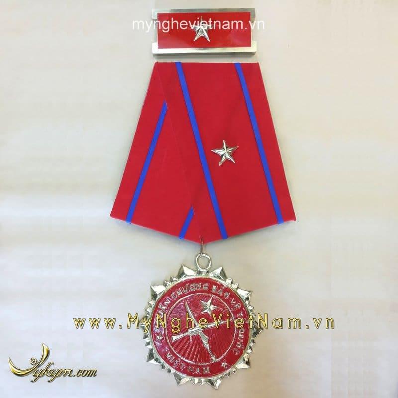 Mô hình huân chương bảo vệ tổ quốc hạng nhất nhì ba0