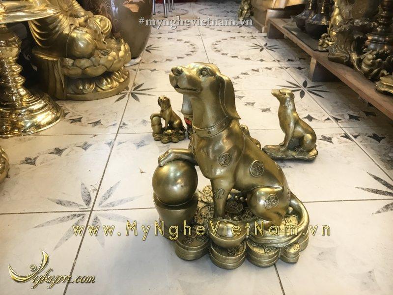tượng chó đồng phong thủy dẵm ngọc cao 36cm