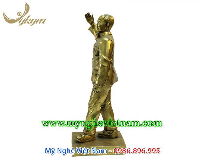 tượng bác hồ toàn thân vẫy tay chào 40cm