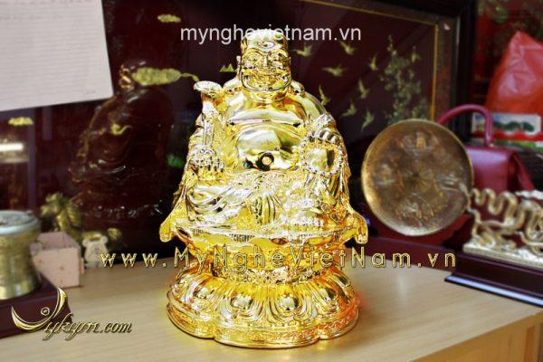 tượng phật di lặc ngồi đài sen cầm gậy như ý mạ vàng